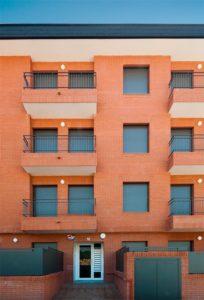 Acceso vivienda por la calle Carme Karr Alfonsetti
