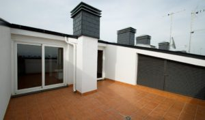 Terraza solarium con acceso desde buardilla